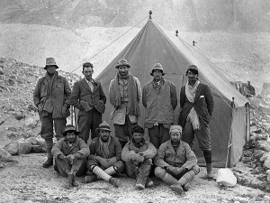 The 1924 Everest expedition team. George Mallory is second from left at the back. No sign of Guy Bullock. (Photo: John Noel)
