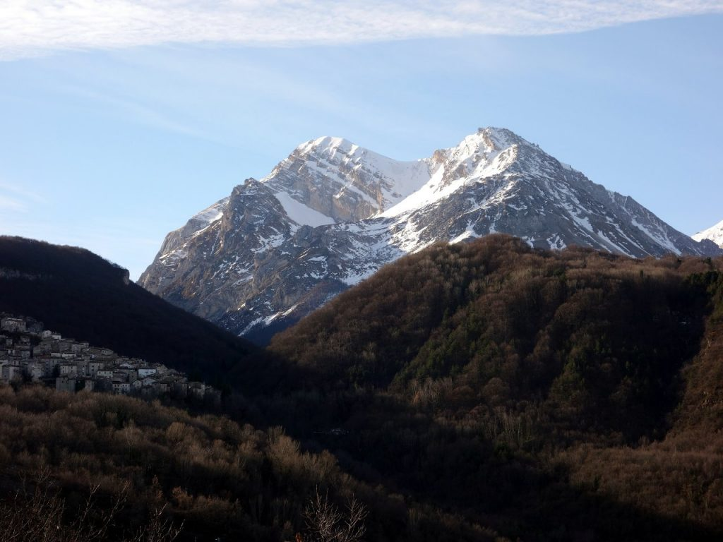 One of my earliest views of Pizzo d'Intermesoli was from the north side in winter. It looked a tough peak.
