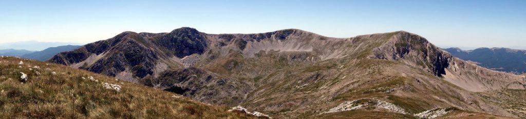 Panorama of the north basin of Monte Marsicano from Monte della Corte, with Monte Ninna (2220m), Marsicano Est (2253m), Monte Marsicano (2245m) and Cima della Colle Angelo (2217m)