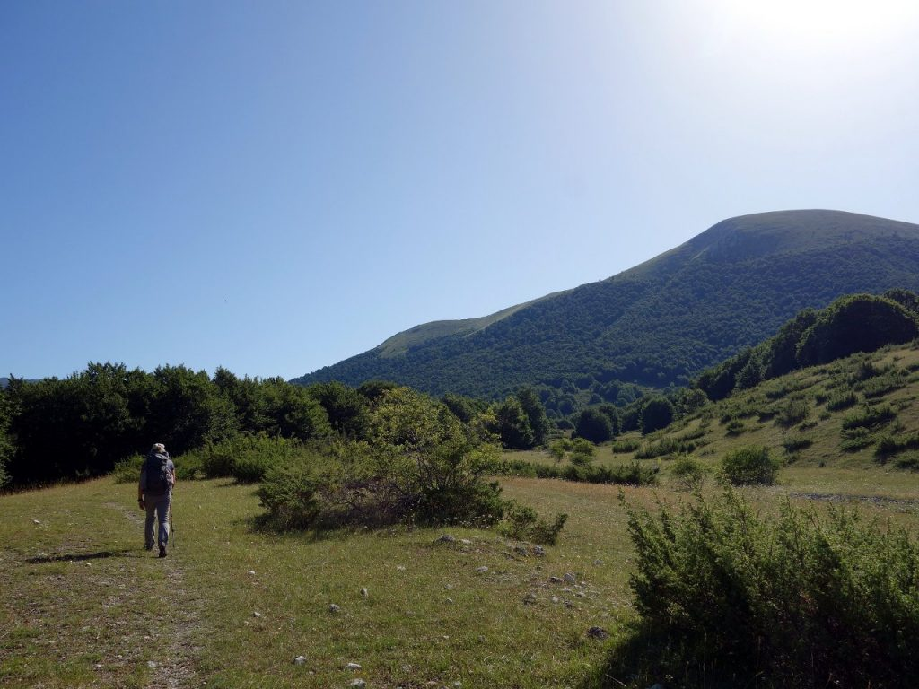 On the A9 trail, with Serra Cappella above