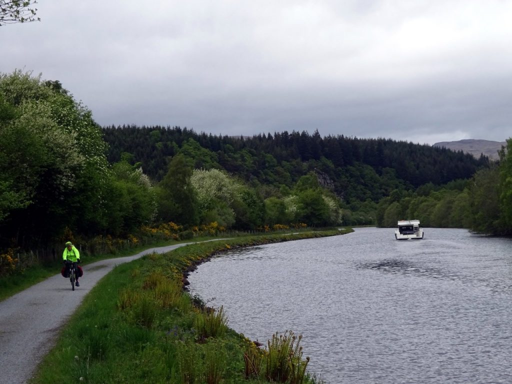 More like it should be: cycling the Caledonian Canal along a canal towpath