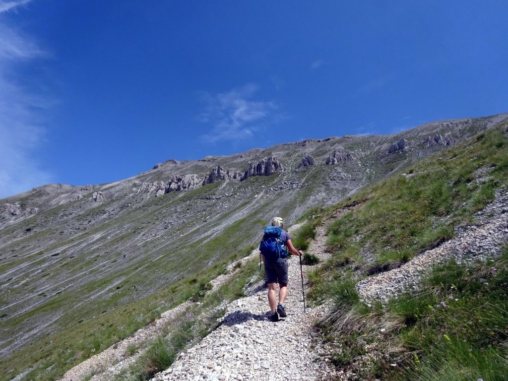 Fondo di Maiella was crowned by a line of buttressed cliffs guarding the top of the plateau