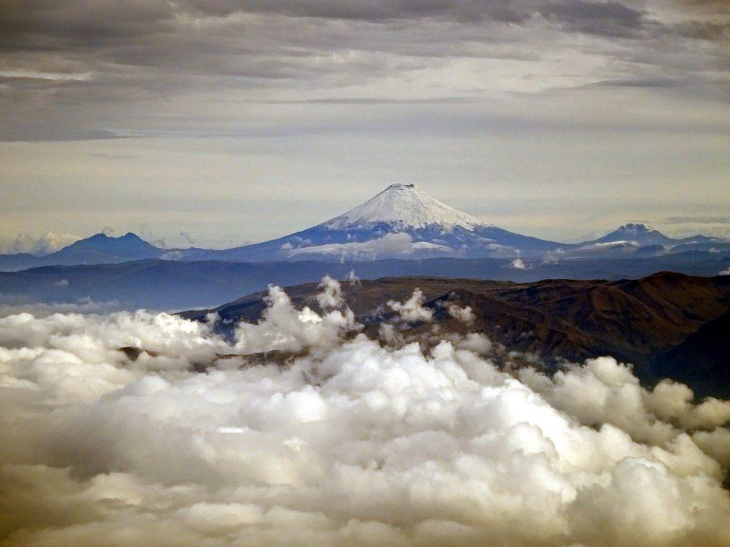 Cotopaxi seen from Tungurahua three days earlier