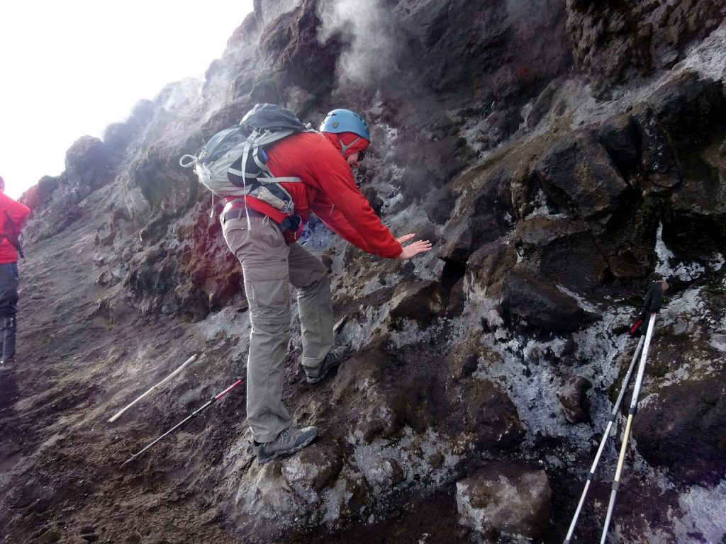 Warming my hands in Tungurahua's volcanic vents