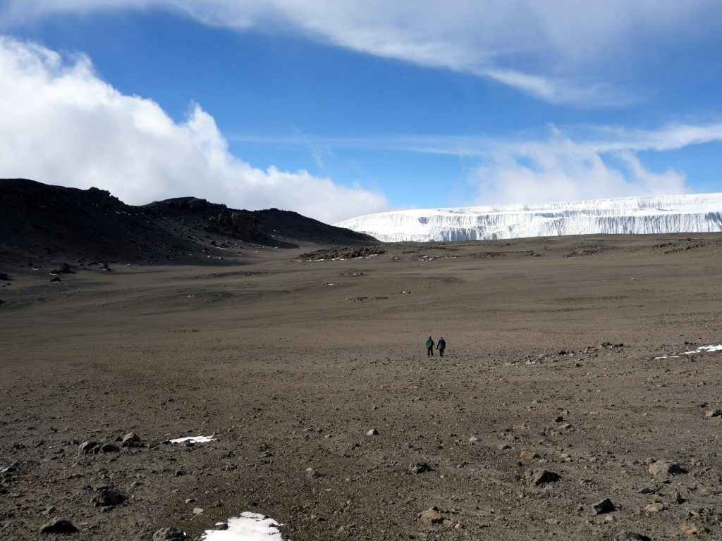Crossing the northern part of the outer crater, with the Northern Icefield at the far side