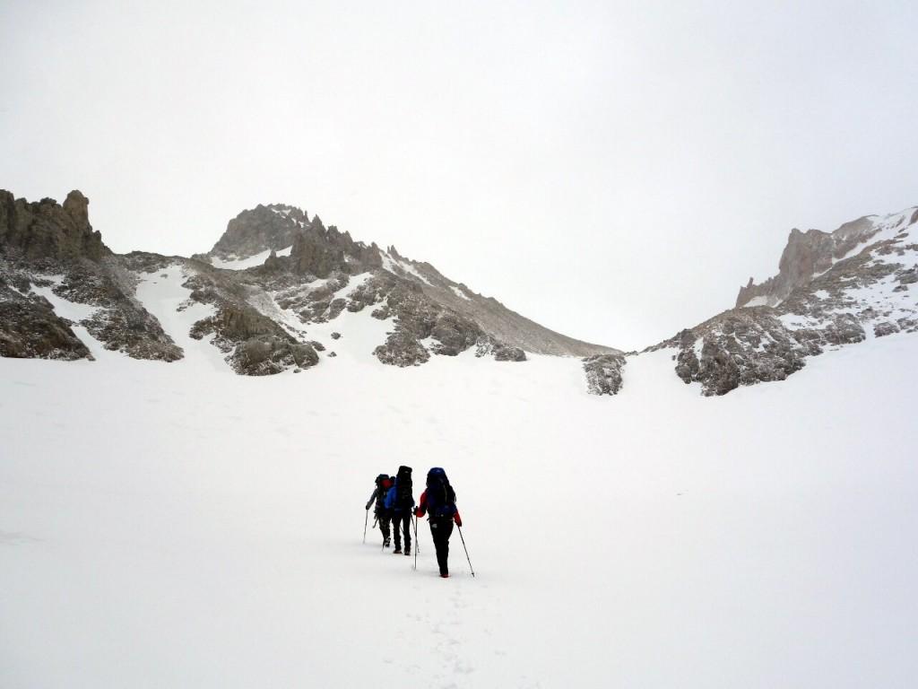 Ascending towards Paso del Comedor