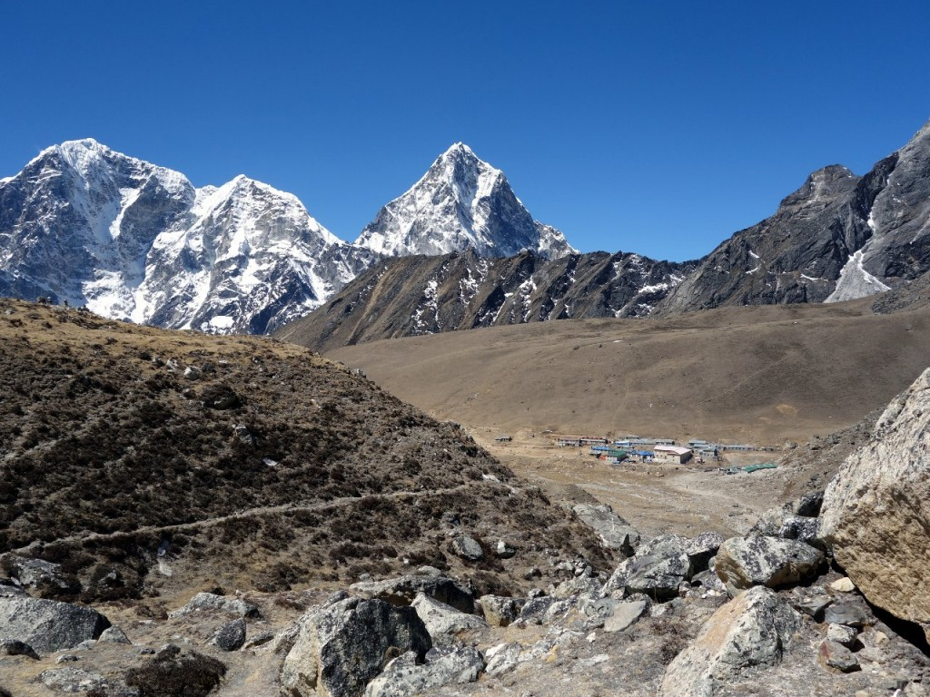 Cholatse (middle) from above the village of Lobuche on the Everest Base Camp trail, with Taboche Peak on the left