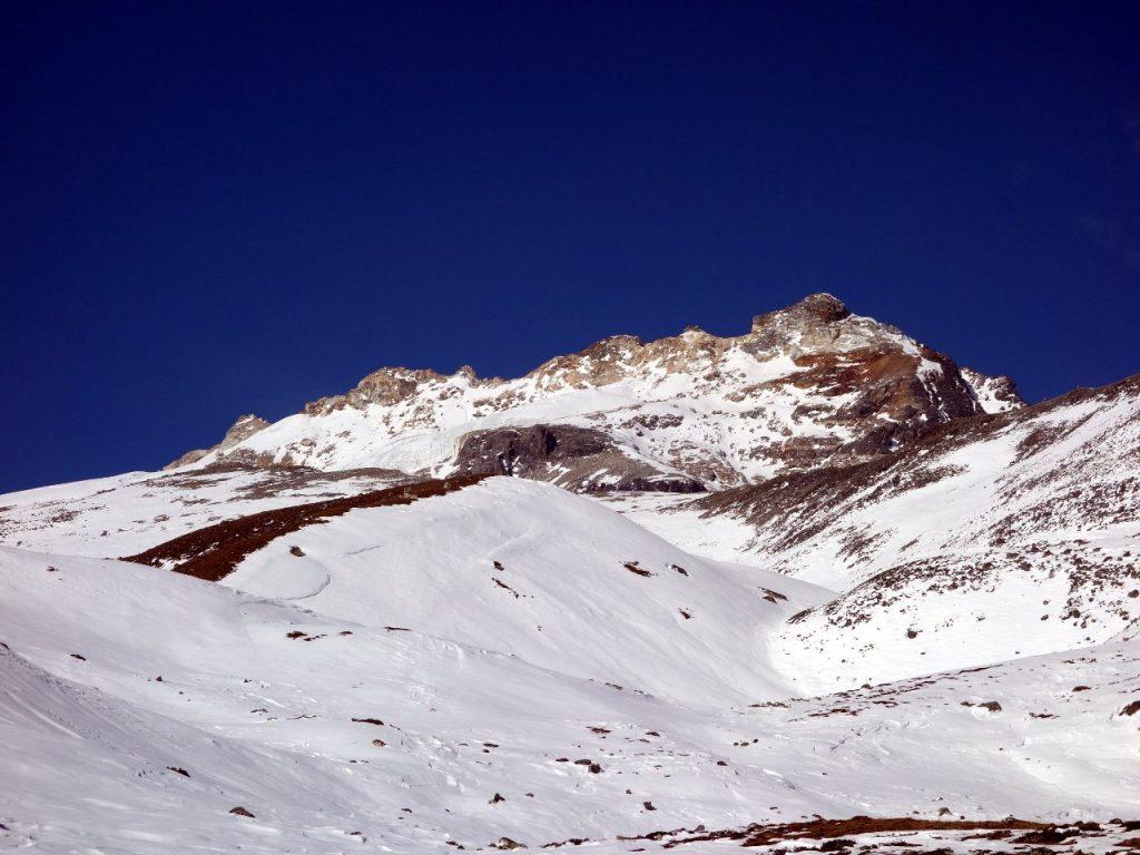 Yala Peak (5530m), with its distinctive yellow band of rock