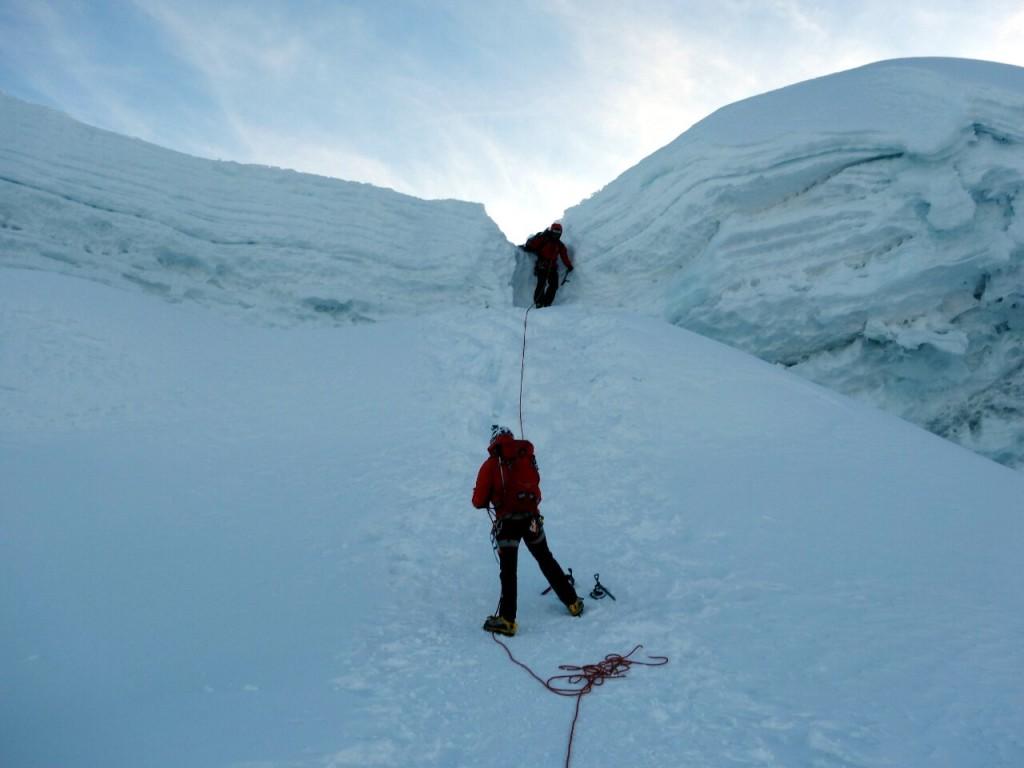 Pasang descends through Ishinca's summit cornice