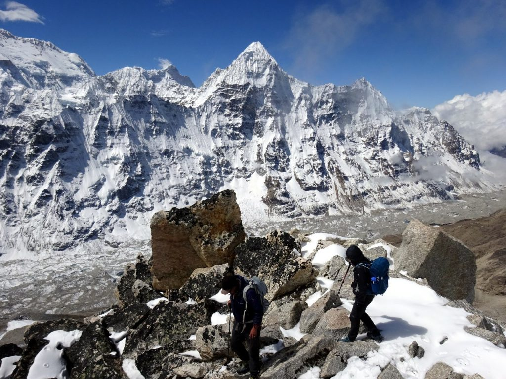 Leaving the summit, with Wedge Peak and the Kangchenjunga Glacier behind
