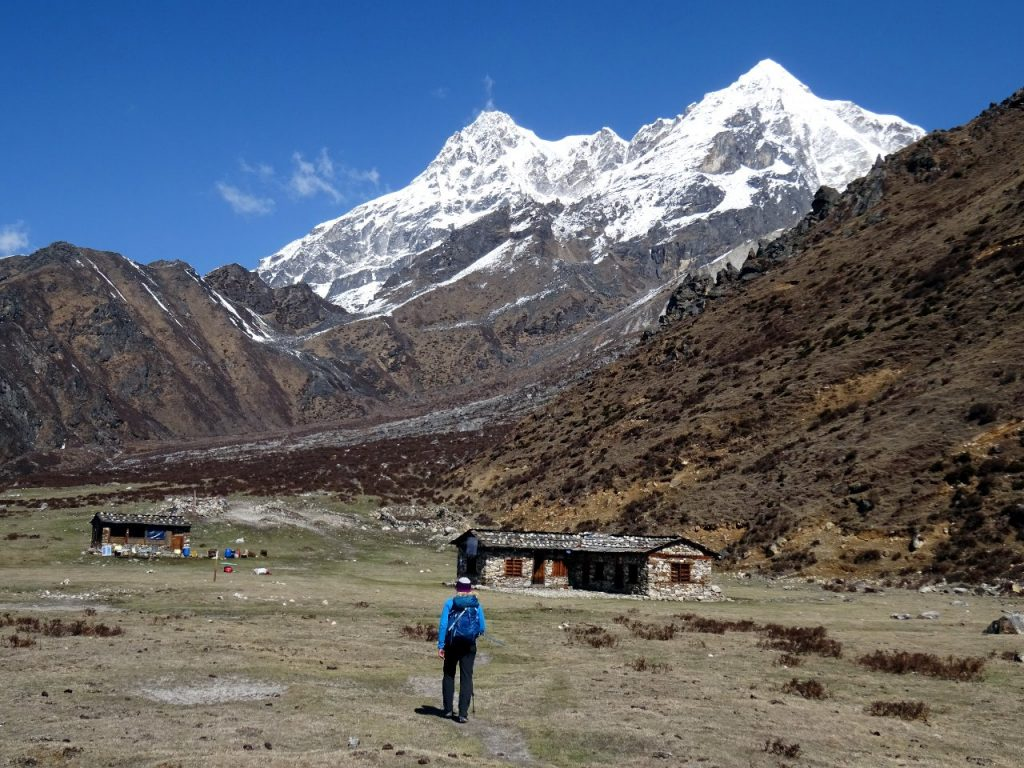 Returning to the teahouse at Ramche, with Bokta rising above