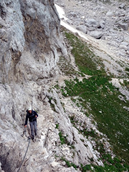The trail kept to the left, zigzagging up cliffs that looked far more exposed in winter