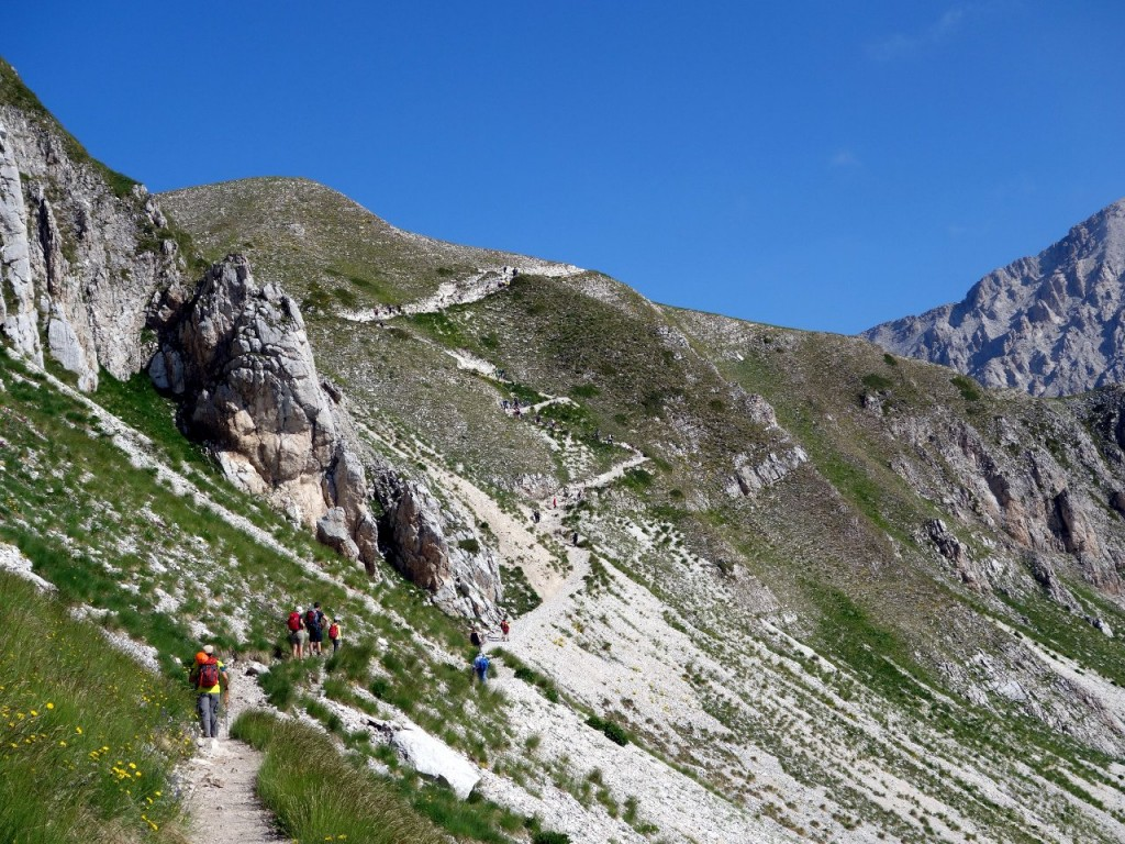 An easy path hewn into the hillside up to Sella Monte Aquila