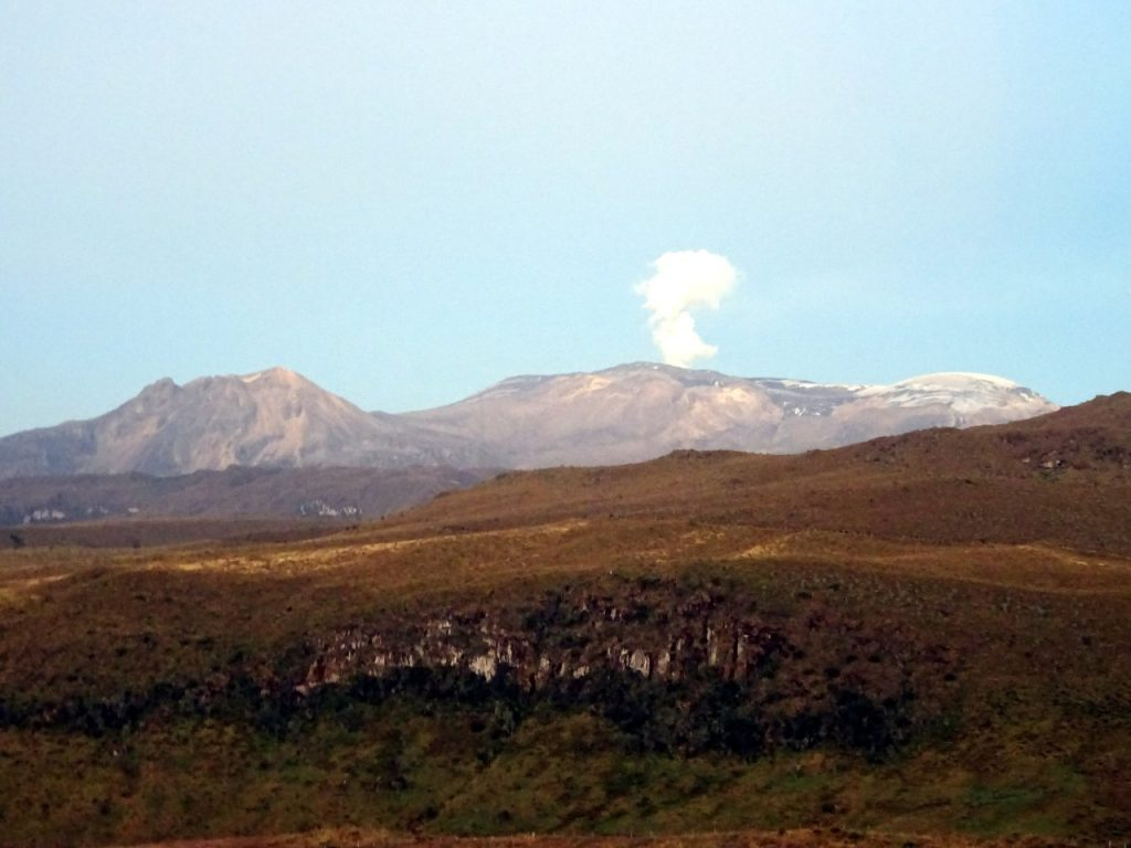The main peaks of Parque Nacional Natural Los Nevados are volcanoes, the highest of which is Nevado del Ruiz (5,325m)