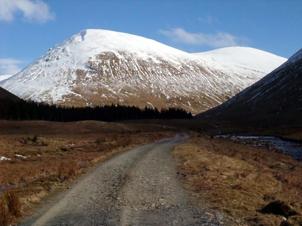 Beinn Mhanach (right) seen from the long walk in along Auch Glen