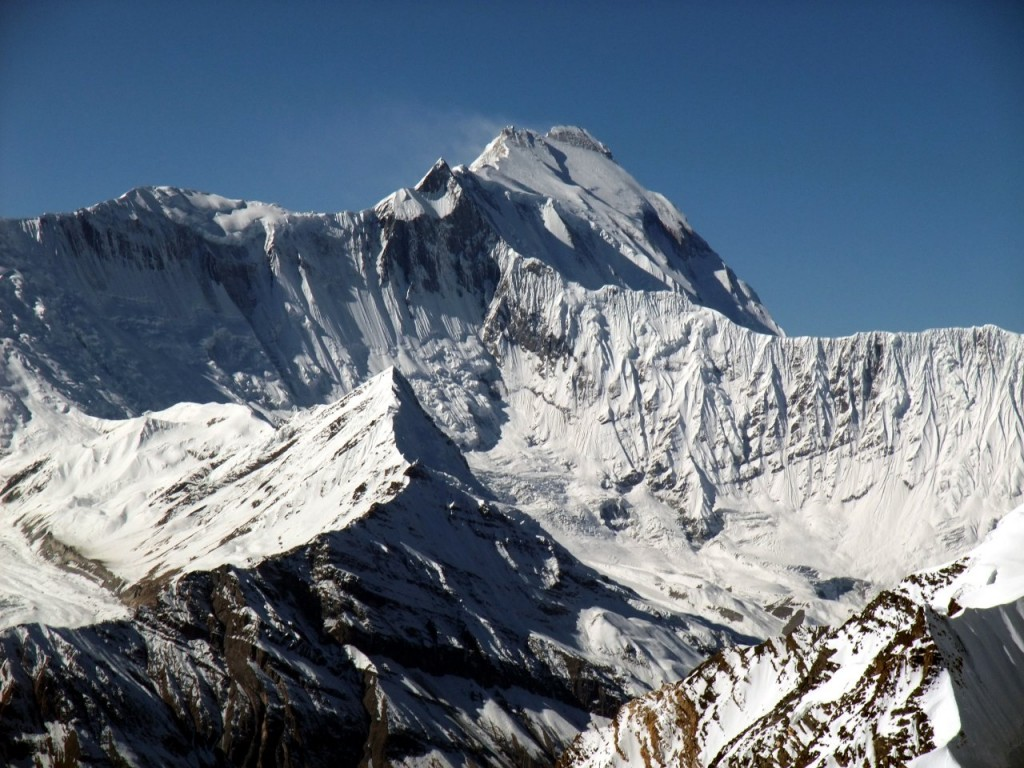 The French attempt on 8091m Annapurna was a major national expedition for the glory of France