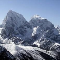 Chillaxing on Cholatse: a return to Nepal