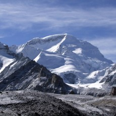 Cho Oyu 2010: Climbing high on steak and kidney pie
