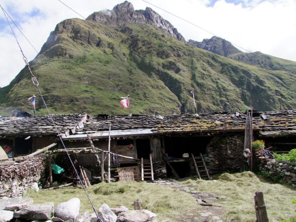 Slate-roofed mediaeval stone houses in Samagaon