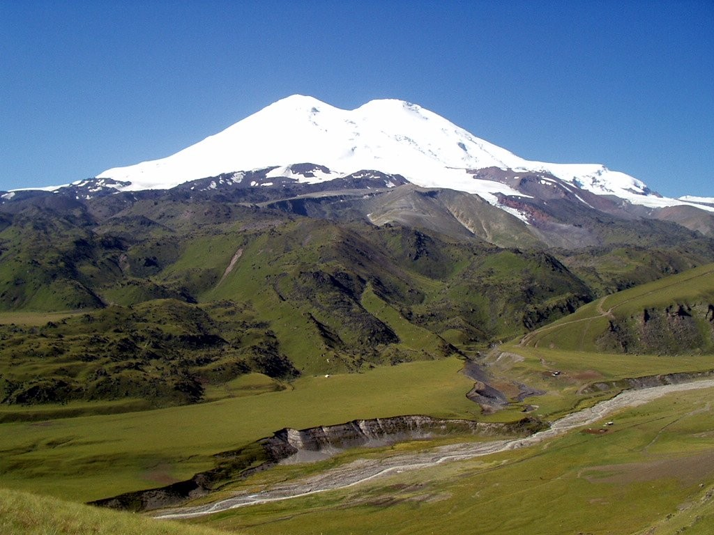 Elbrus (5642m) in the Russian Caucasus, the highest mountain in Europe (Photo: Alexander Sorel)