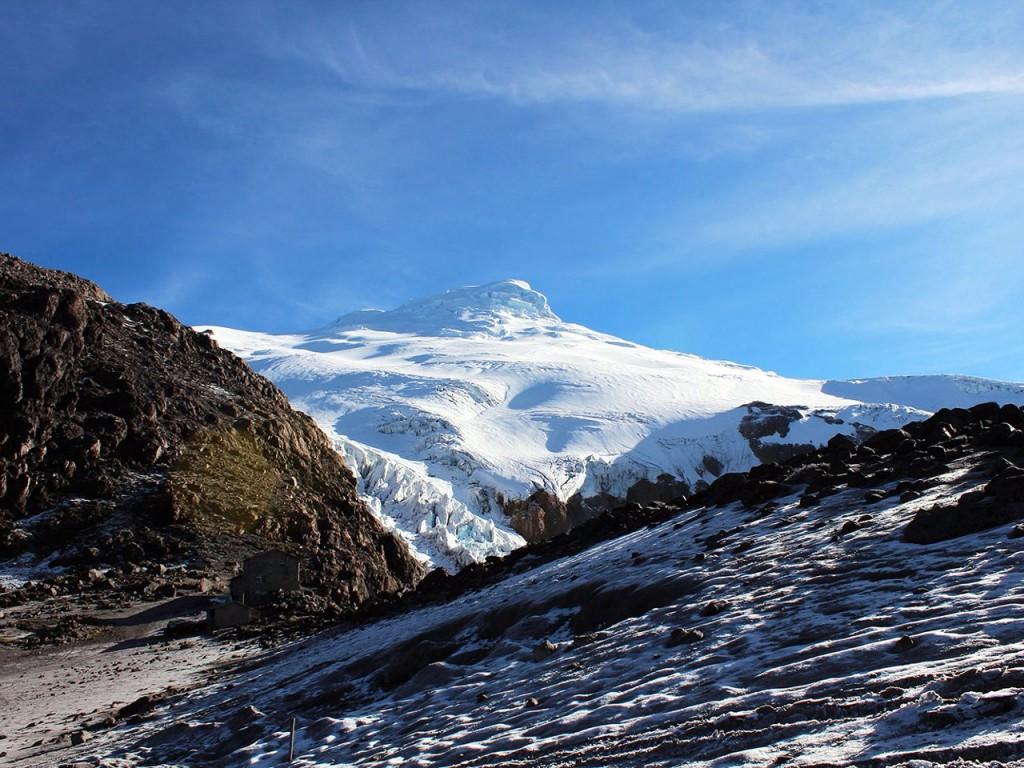 Vista de Cayambe desde el refugio a 4600m (Foto: Natalia Cartolini)