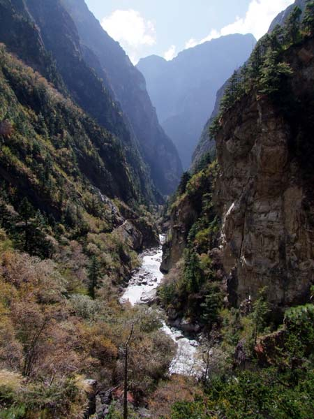 Looking south along the Nar Phu gorge