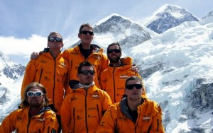 The injured soldiers with Everest behind (Photo: Walking With The Wounded)