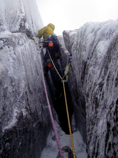 Jeremy climbs the appropriately named Savage Slit in Scotland's Cairngorms (Photo: Jeremy Windsor)