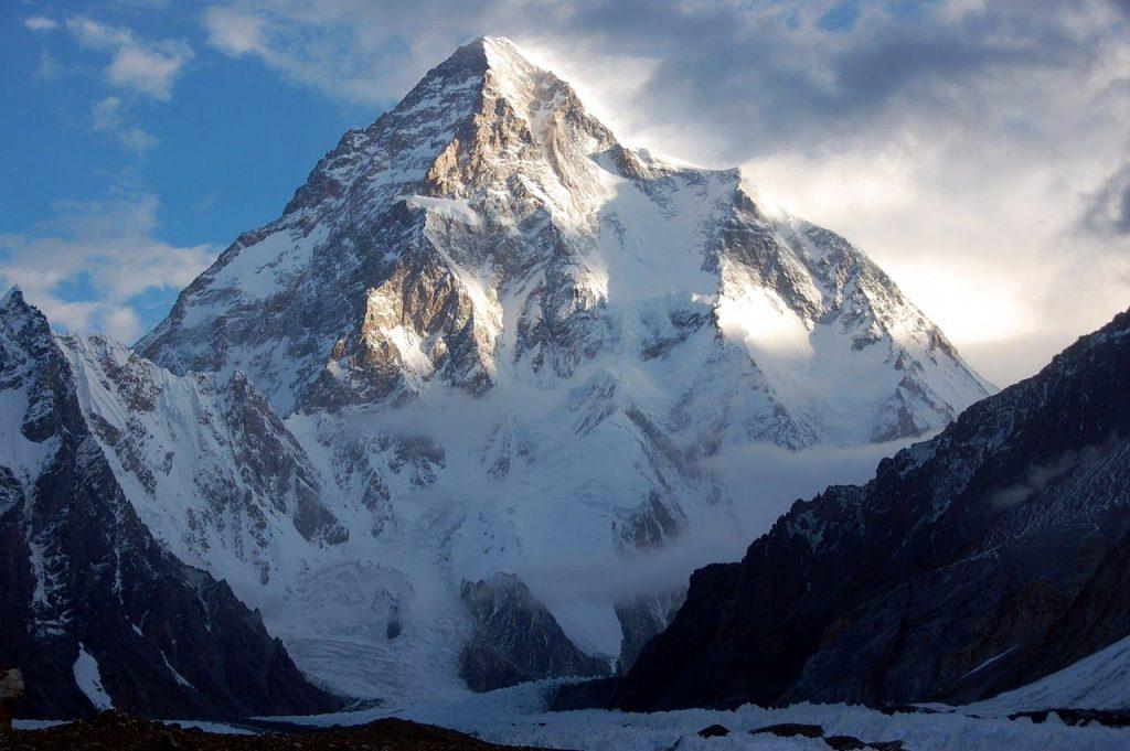 K2 from the Godwin Austen Glacier (Photo: Maria Ly / Wikimedia Commons)