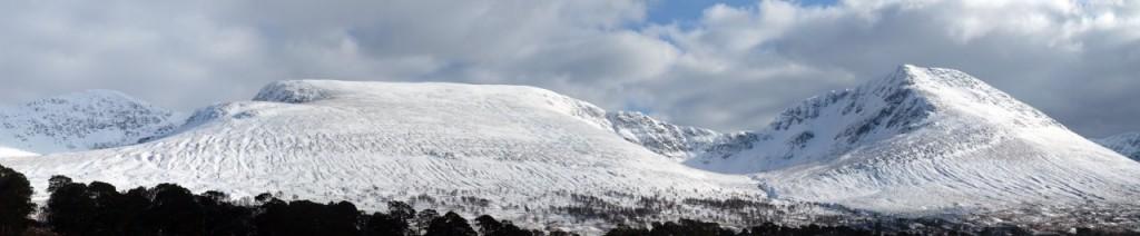 A panorama of Beinn a Chreachain, Meall Buidhe and Beinn Achaladair seen from the track beside Water of Tulla
