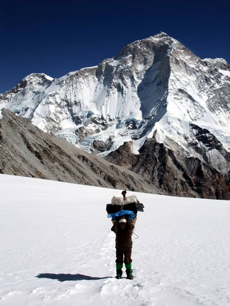 New rules on insurance cover for mountaineering workers apply equally to all expeditions regardless of size and length