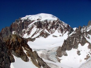 The Northwest Face of Cerro San Lorenzo (Photo: Nikman / Summitpost)