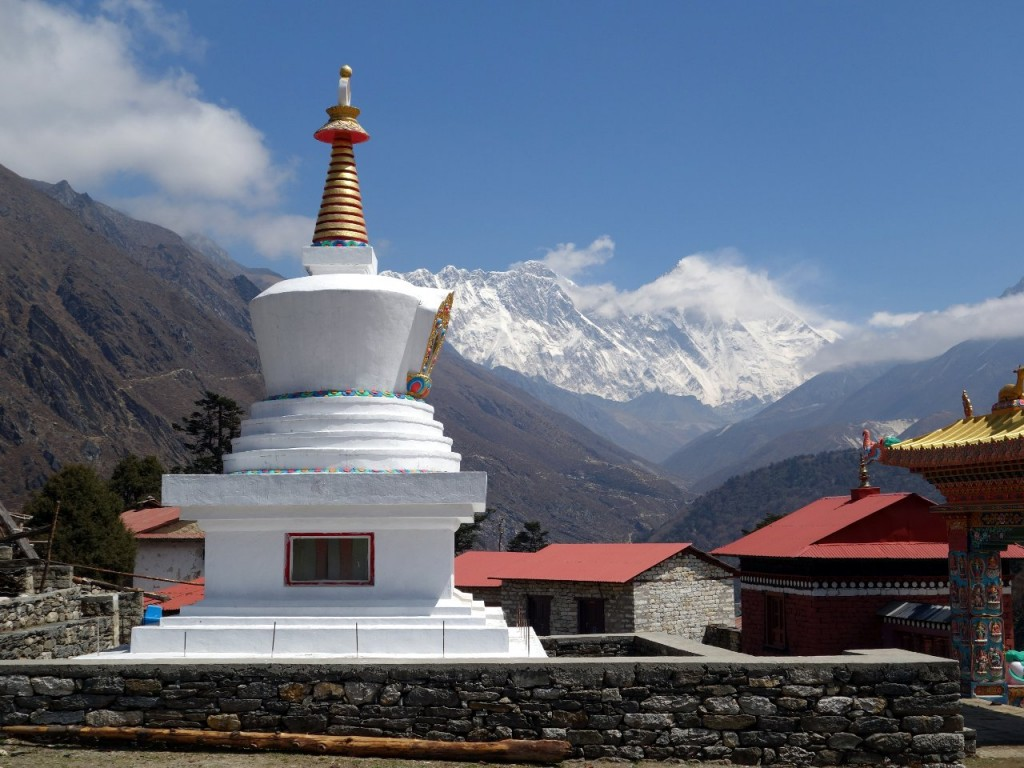 Buddhist stupa in the Khumbu region, with Everest behind